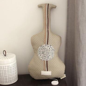 Guitare boite à musique - La vie en rose