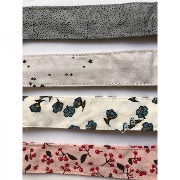 Attache tétine en coton bio - Petites fleurs bleues