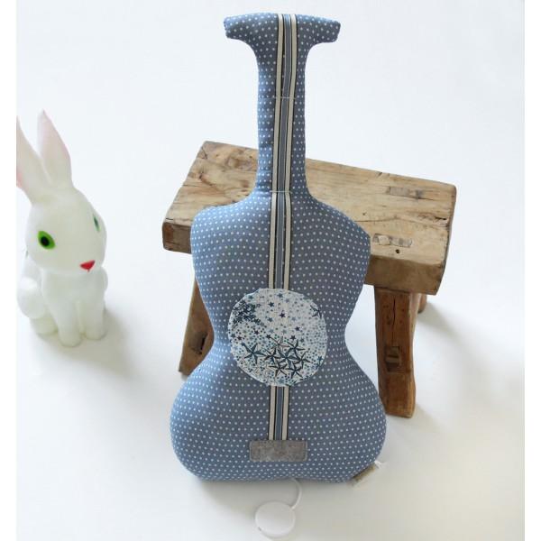 Guitare boite à musique - La Javanaise