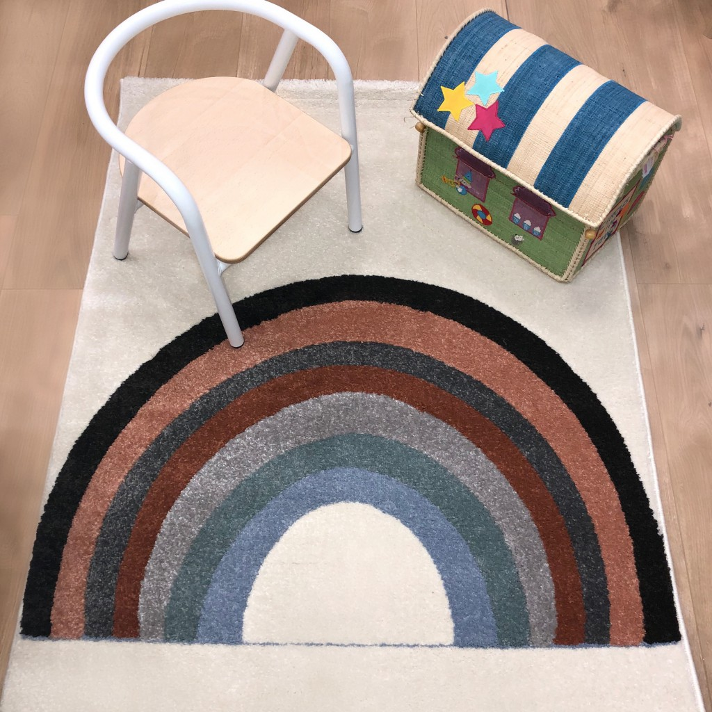 Idée cadeau n°22 : Un tapis rainbow Art for Kids